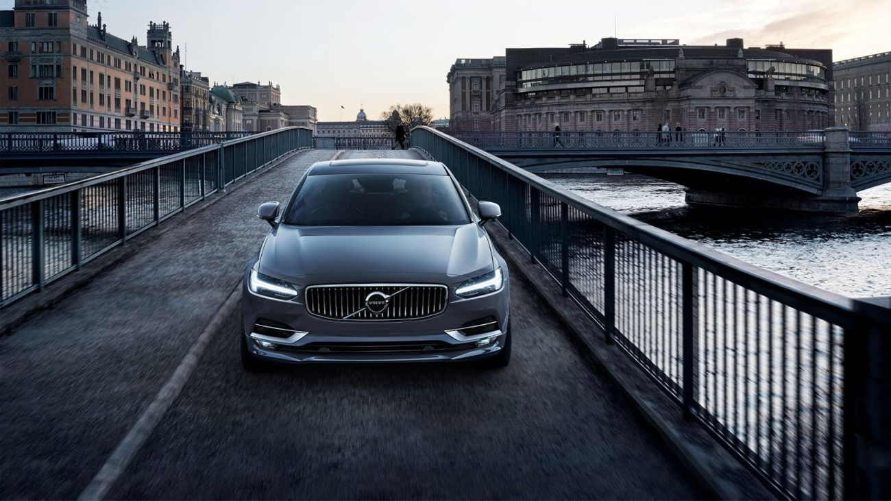Inside the 2018 Volvo S90 and S60