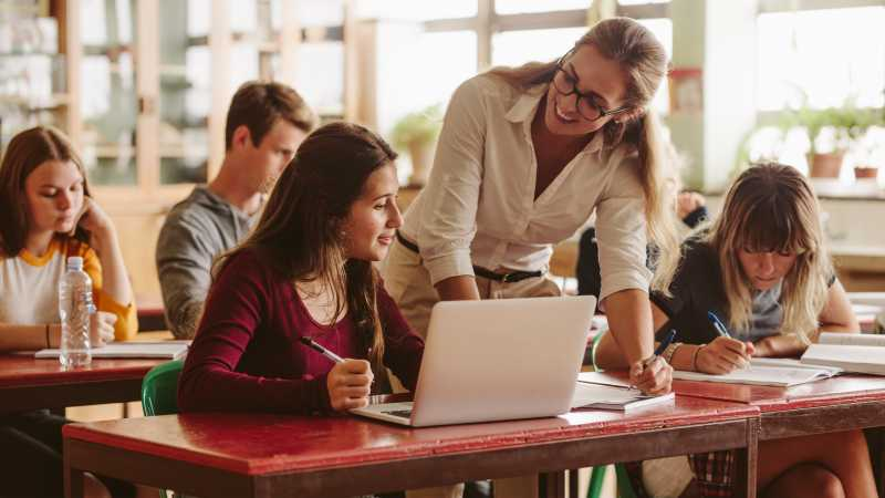 4 Reasons to Consider Getting an Education Degree